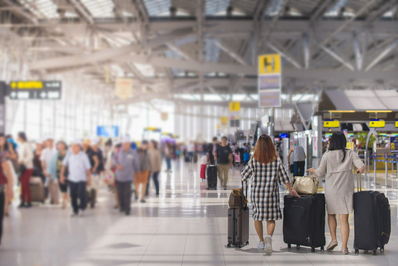 Based on data results from InsureMyTrip and Hopper, travelers can make smarter choices about their Thanksgiving travel plans and travel insurance purchase. (PRNewsfoto/InsureMyTrip)